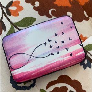 Handbags - Card carrier